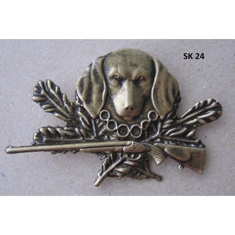 d0d23539f Poľovnícky odznak-hlava psa a zbraň | IBO.sk