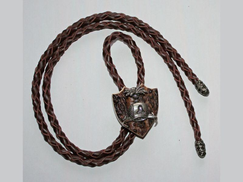 Poľovnícka kravata čapička na dravca